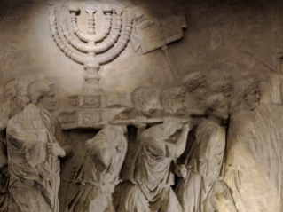 "In Rome the exhibition ""Menorah: worship, history and myth"""